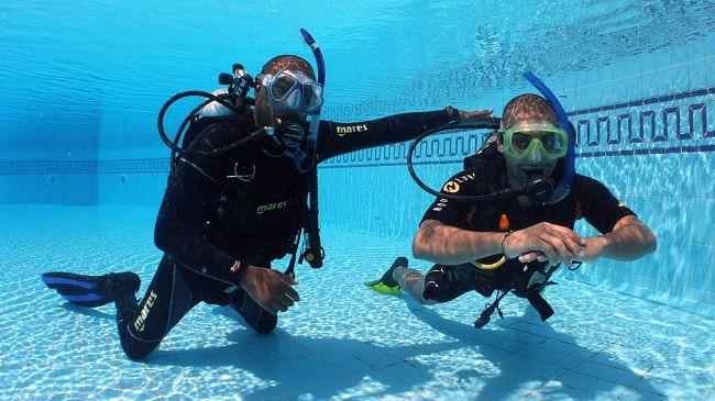 Diving education swiming