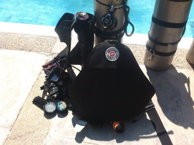 Sidemount Scuba Buoyancy Control Device